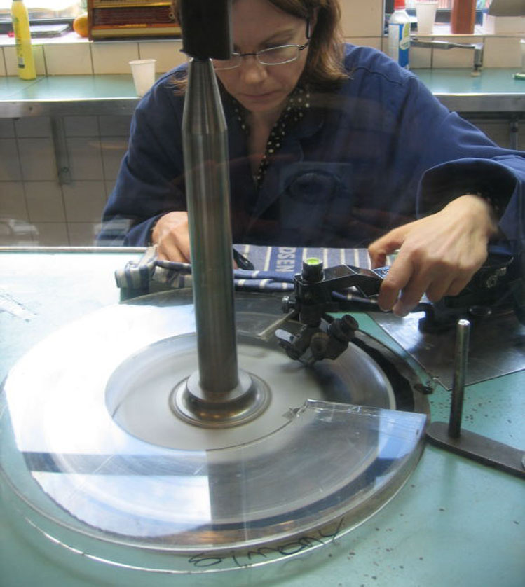 Cutting And Polishing Diamcor Mining Inc